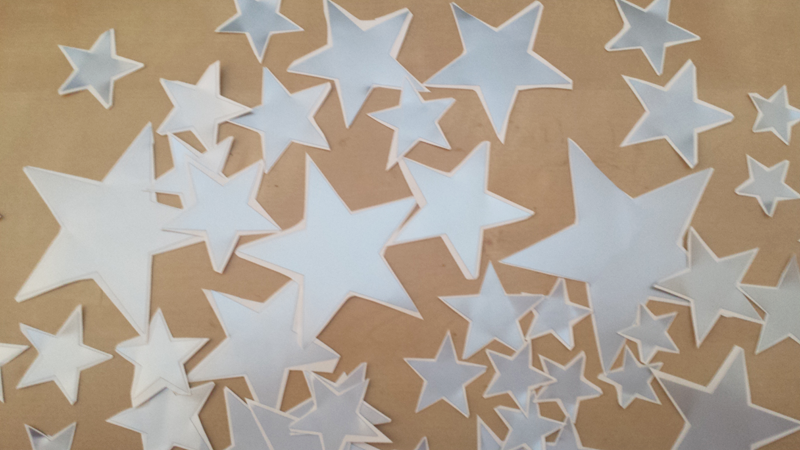 Estrellas de vinilo color plata recortadas