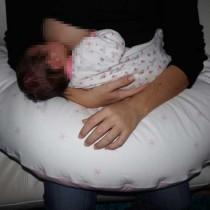 Lactancia materna: una mano libre para leer