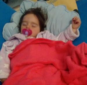 julia-durmiendo
